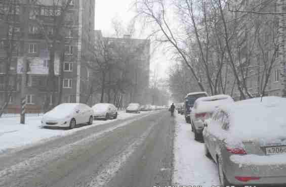 Малахитовая улица в снегу